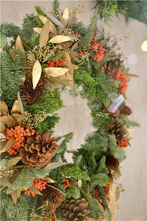 December 1, 2018 - Handmade Wreaths and Garlands with TOUR